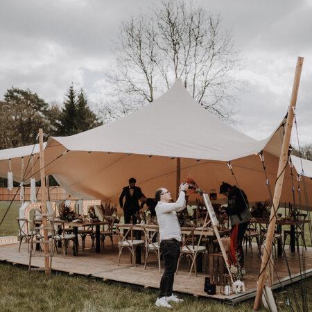Stretch-Zelt mit Holzfußboden