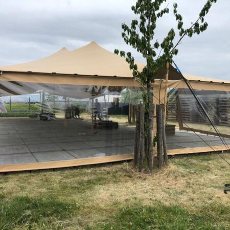 Stretch-Zelt mit Seitenmarkise